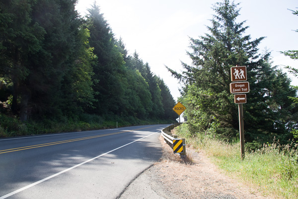 parking lot at northern trailhead for Neahkahnie Mountain trail